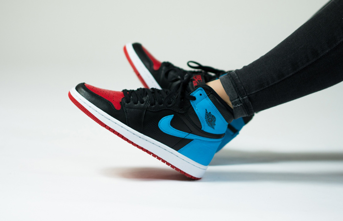 Nike Womens Air Jordan 1 High OG UNC TO CHICAGO Black CD0461-046 on foot 01