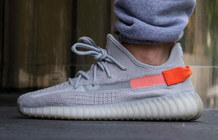 adidas Yeezy Boost 350 V2 Tail Light FX9017 on foot 02