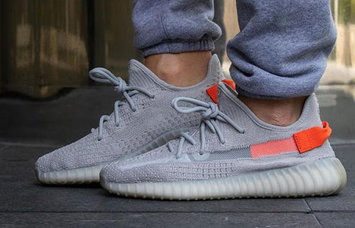 adidas Yeezy Boost 350 V2 Tail Light FX9017 on foot 03