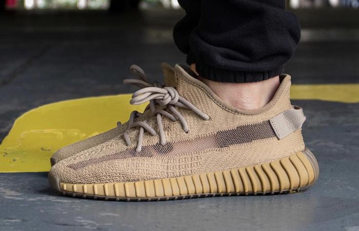 adidas Yeezy Boost Earth FX9033 on foot 01