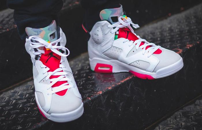 Nike Air Jordan 6 Hare on foot 01