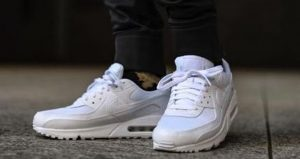 These 12 Air Max 90 Is A Must Cop For Everyone 04