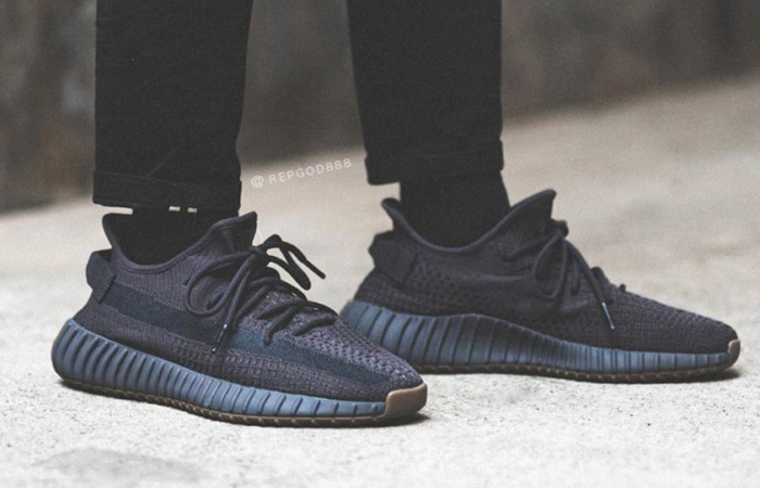 adidas Yeezy Boost 350 V2 Cinder FY2903 on foot 01