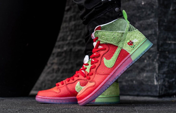 An On Foot Look At The Nike SB Dunk High Strawberry Cough ft