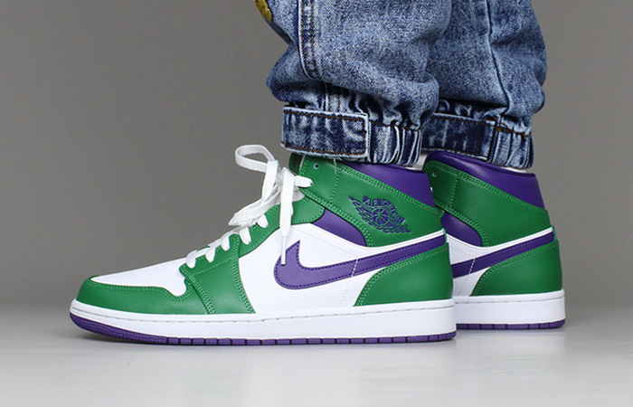 Jordan 1 Mid Green Purple 554724-300 on foot 01