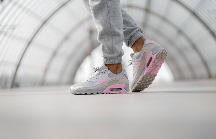 Nike Air Max 90 Wolf Grey Pink CW7483-001 on foot 01