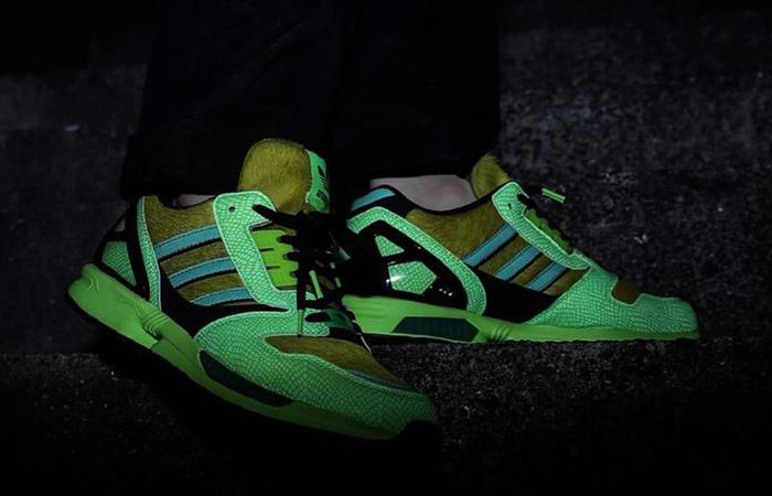 atmos adidas ZX 8000 G-SNK Parrot Green FX8593 on foot 02