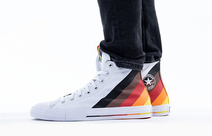 Converse Chuck Taylor All Star High White Multi 167758C on foot 01