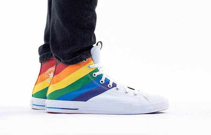 Converse Chuck Taylor All Star High White Multi 167758C on foot 02