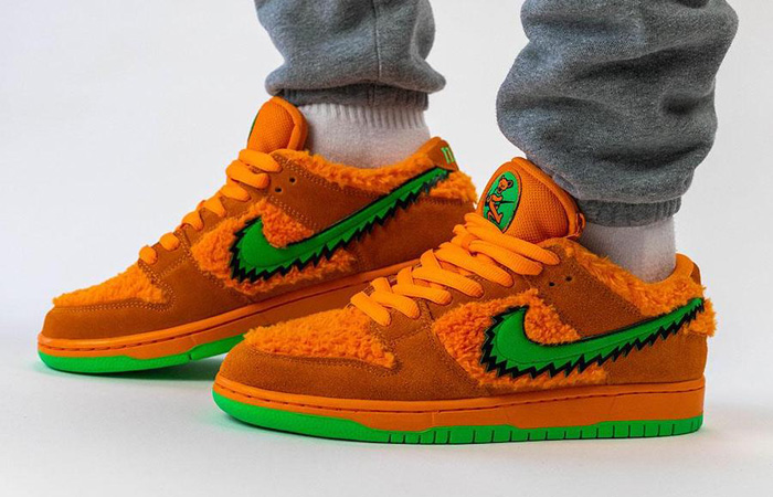 On Foot Look At The Grateful Dead Nike SB Dunk Orange Bear ft