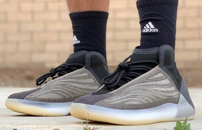 adidas Yeezy Quantum Barium Q46473 on foot 01