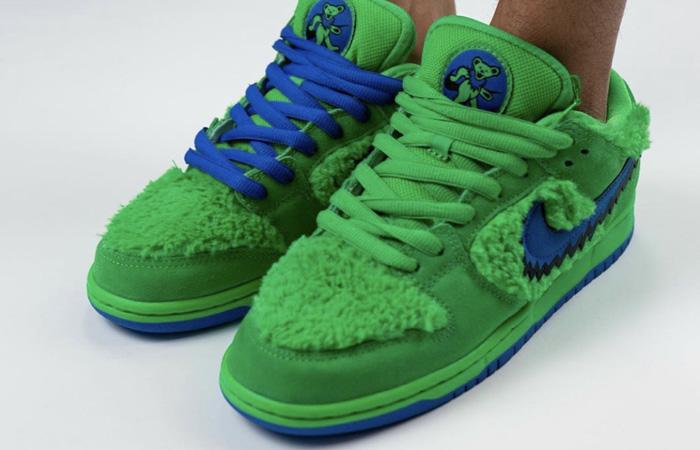 Grateful Dead Nike SB Dunk Low QS Green CJ5378-300 on foot 02