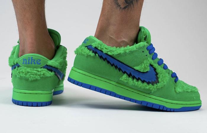 Grateful Dead Nike SB Dunk Low QS Green CJ5378-300 on foot 03