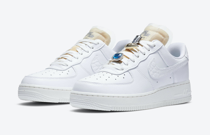 Nike Air Force 1 07 LX Low White Onyx CZ8101-100 05