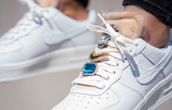 Nike Air Force 1 07 LX Low White Onyx CZ8101-100 on foot 03