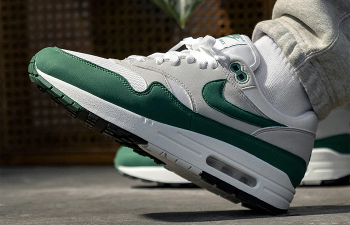 Nike Air Max 1 Anniversary Bottle Green DC1454-100 on foot 03