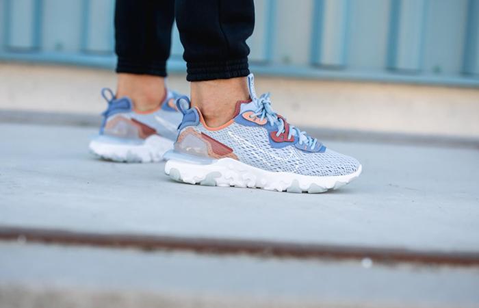 Nike React Vision Light Denim Blue CD4373-401 on foot 01