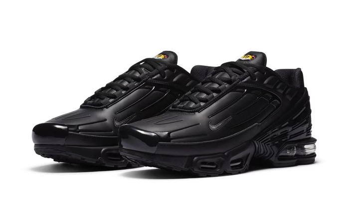 The New Nike Air Max Plus III Received Black Leather Upper ft