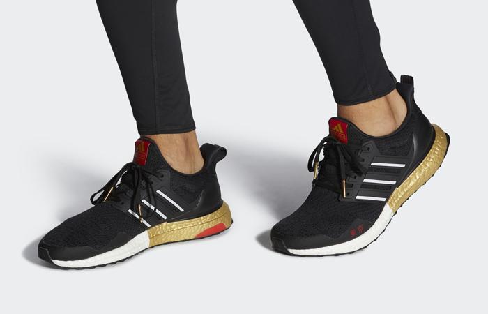 adidas Ultraboost OG Tokyo Black FY3425 on foot 01