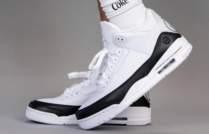 Fragment Air Jordan 3 White Black DA3595-100 on foot 01