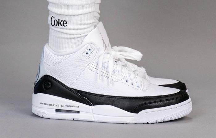 Fragment Air Jordan 3 White Black DA3595-100 on foot 03