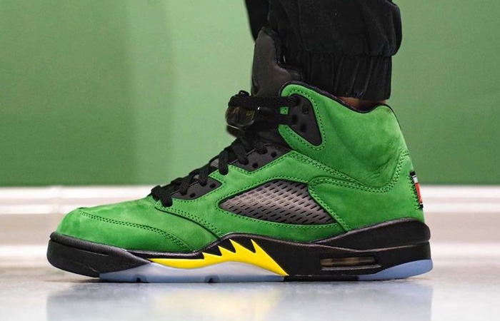Nike Air Jordan 5 Oregon Green CK6631-307 on foot 02