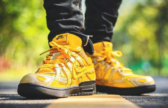 Off-White Nike Rubber Dunk University Gold CU6015-700 on foot 02