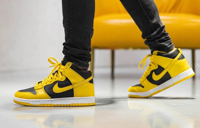 On Foot Look At Nike Dunk High 'Varsity Maize' f