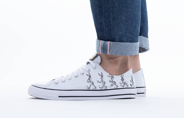 Bugs Bunny Converse Chuck Taylor All Star Low Top White 169226C on foot 01