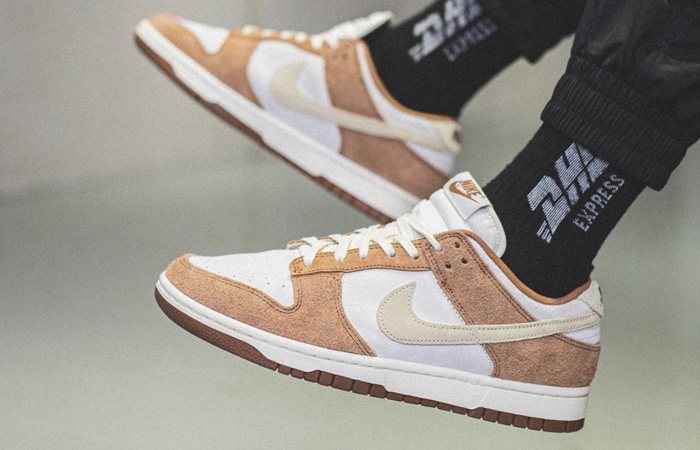 On Foot Images Of Nike Dunk Low PRM Medium Curry f