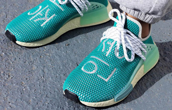 Pharrell adidas NMD Hu Teal Q46466 on foot 02