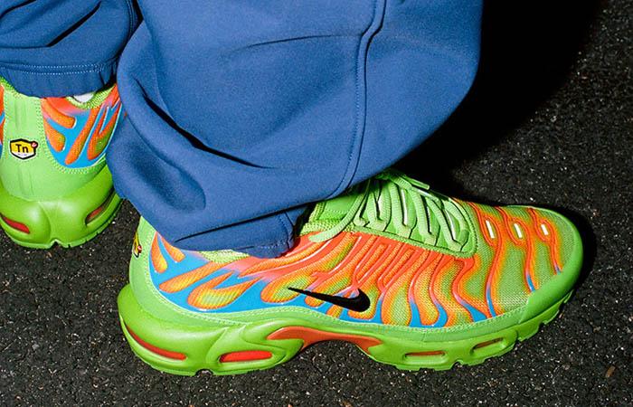 Supreme Nike TN Air Max Plus Green Volt DA1472-300 on foot 01