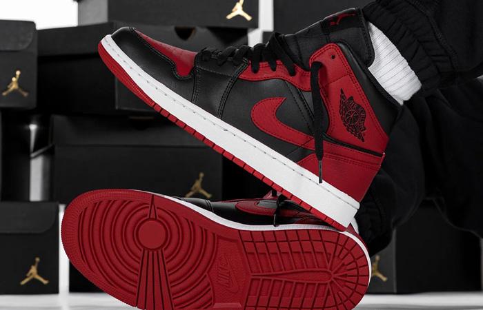 Jordan 1 Mid Bred 554724-074 on foot 02