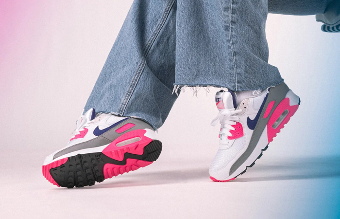 Nike Air Max 90 III Laser Pink Concord CT1887-100 on foot 01