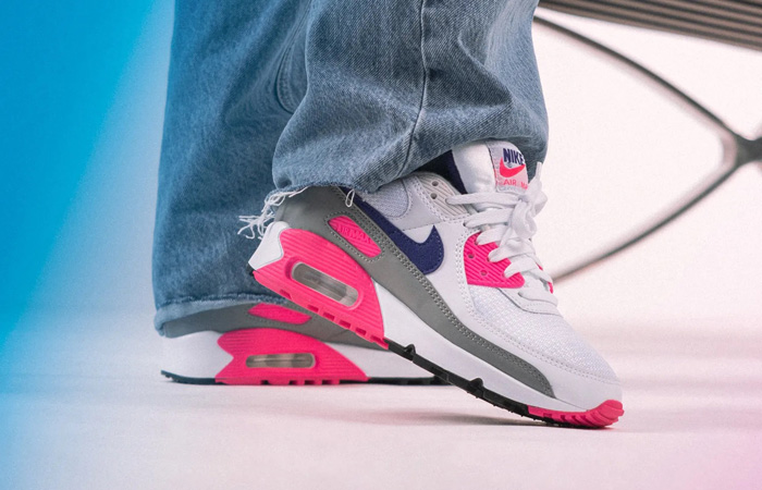 Nike Air Max 90 III Laser Pink Concord CT1887-100 on foot 02
