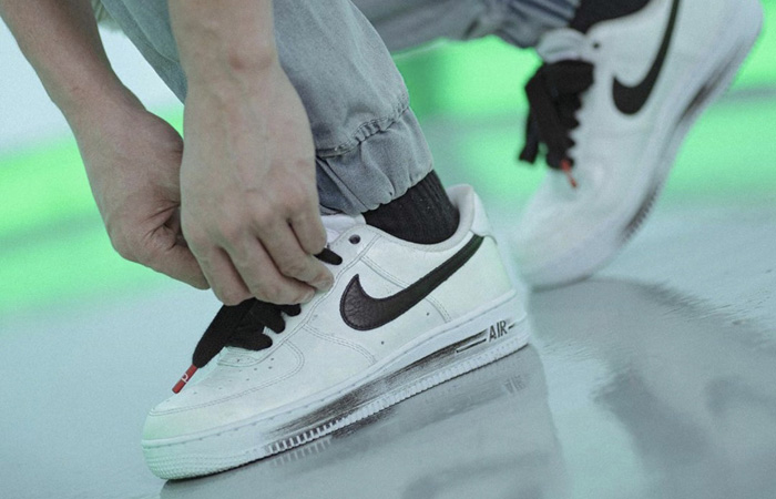 PEACEMINUSONE Nike Air Force 1 Paranoise White DD3223-100 on foot 02