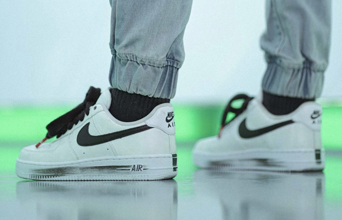 PEACEMINUSONE Nike Air Force 1 Paranoise White DD3223-100 on foot 03
