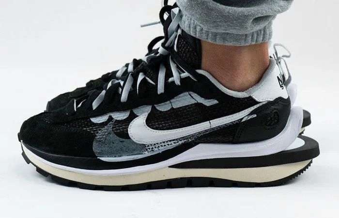 The sacai Nike VaporWaffle Black And Sail Releasing This Week! f