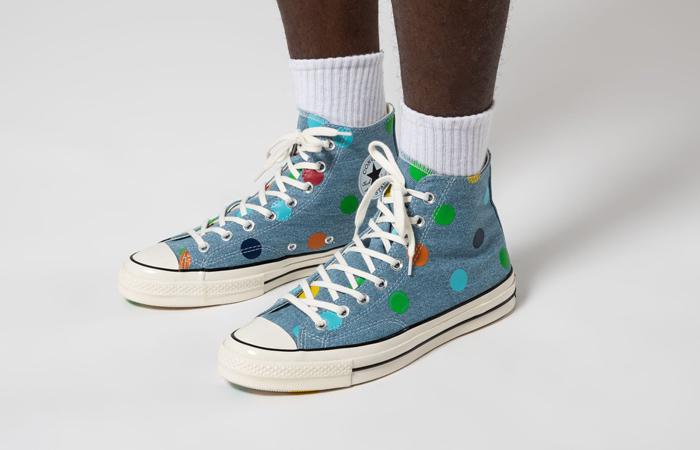 Tyler The Creator Converse Chuck 70 Hi Blue 170011C on foot 01