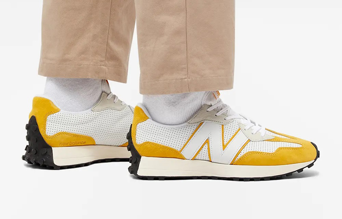 New Balance 327 Perforated Pack White Yellow MS327PG on foot 01
