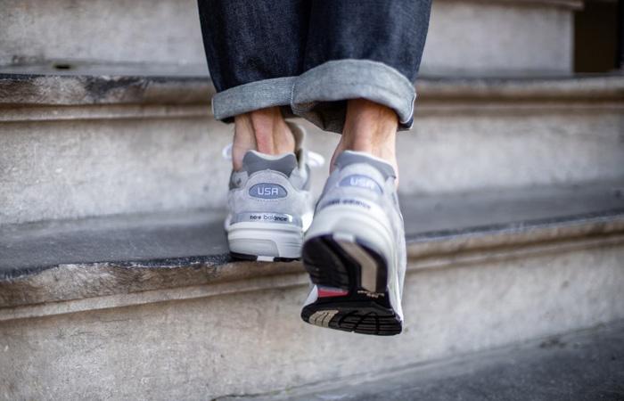 New Balance 992 Grey M992GR on foot 03