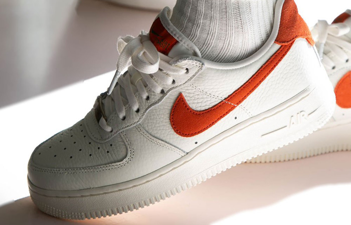 [Image: Nike-Air-Force-1-Low-Craft-White-Mantra-...oot-01.jpg]