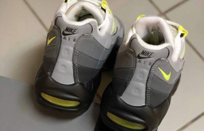 Nike Air Max 95 OG Neon Yellow Light Graphite CT1689-001 04