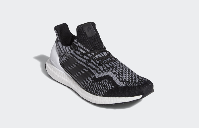 adidas Ultraboost 5.0 Uncaged DNA Core Black Grey G55367 02