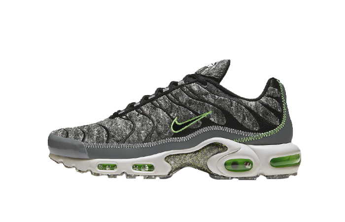 Nike Air Max Plus Recycled Felt Black Smoke Grey DA9326-001 01