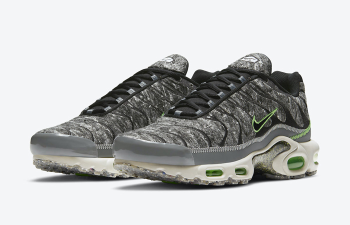 Nike Air Max Plus Recycled Felt Black Smoke Grey DA9326-001 02
