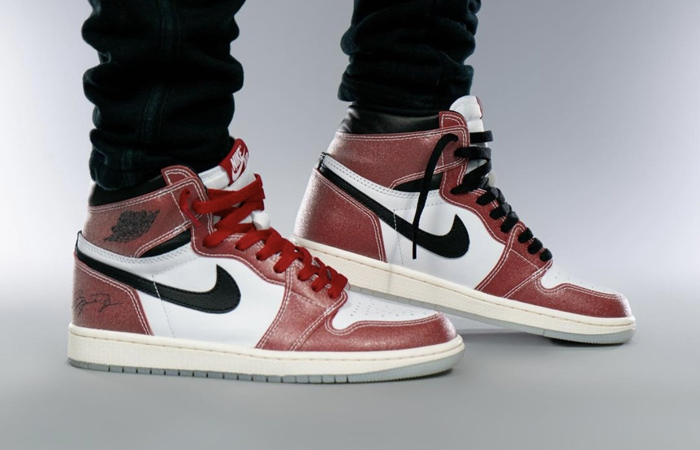Trophy Room Air Jordan 1 High Chicago Red White DA2728-100 on foot 01