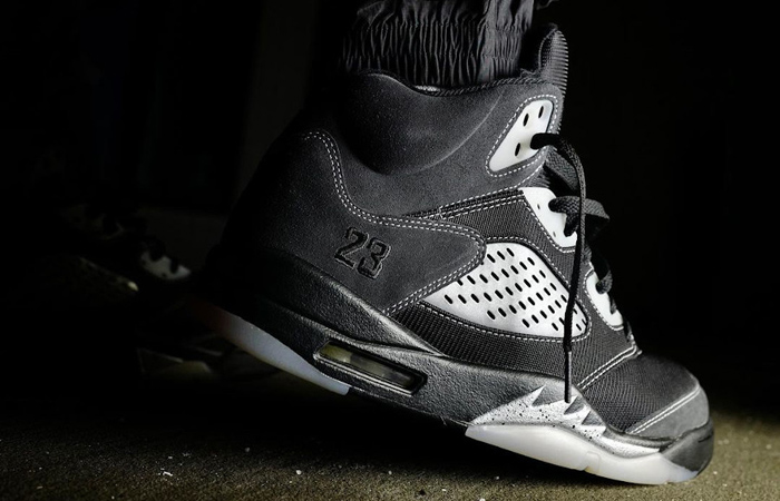 Air Jordan 5 Anthracite Wolf Grey DB0731-001 on foot 03