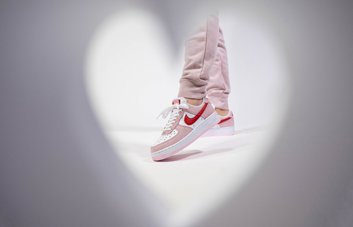 Nike Air Force 1 07 Low Valentines Day Tulip Pink DD3384-600 on foot 01