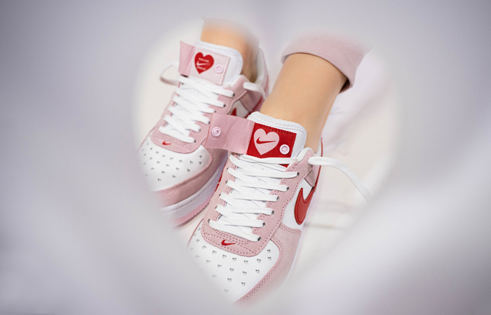 Nike Air Force 1 07 Low Valentines Day Tulip Pink DD3384-600 on foot 03